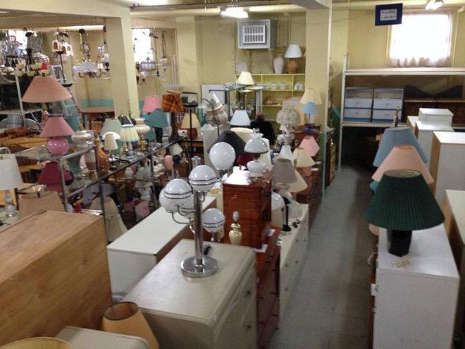 antiquaires et brocanteurs en mauricie 17 endroits pour d nicher des antiquit s et meubles. Black Bedroom Furniture Sets. Home Design Ideas